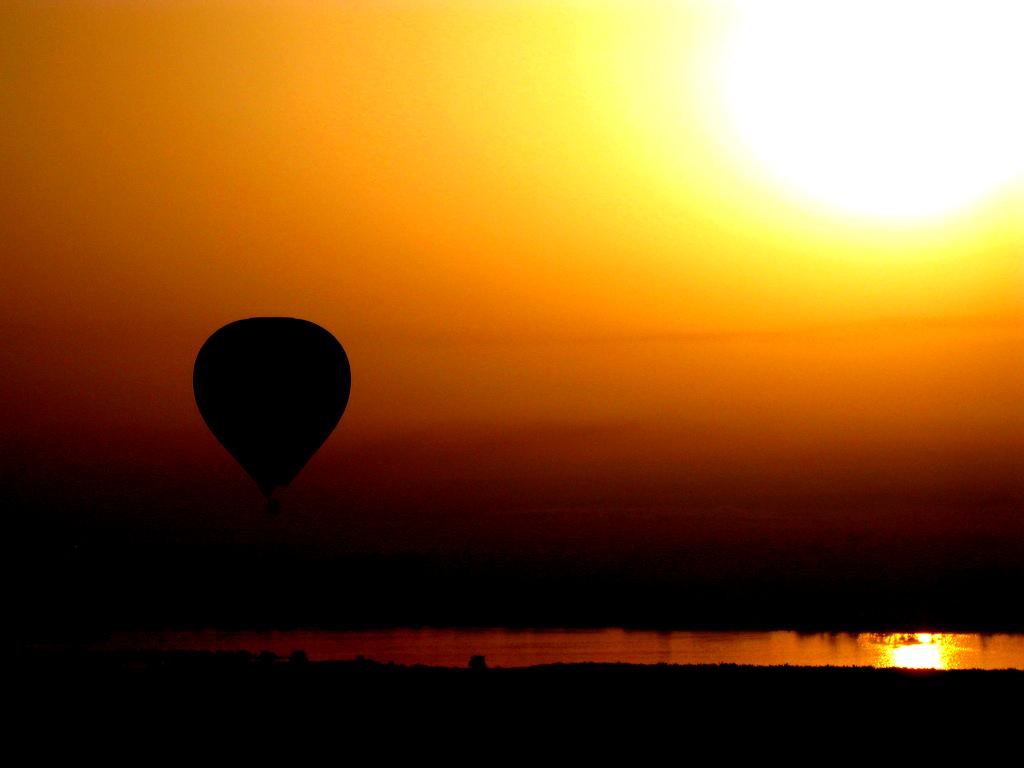 sunrise_over_luxor magic